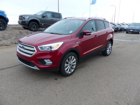 2018 Ford Escape Titanium SYNC3, Pano Roof, Nav, Heat Seats