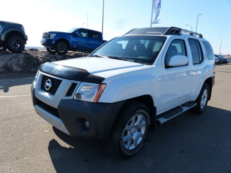 2011 Nissan Xterra SV Bluetooth, Satellite Radio, Roof Rack