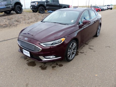2018 Ford Fusion Titanium AWD ** low km**