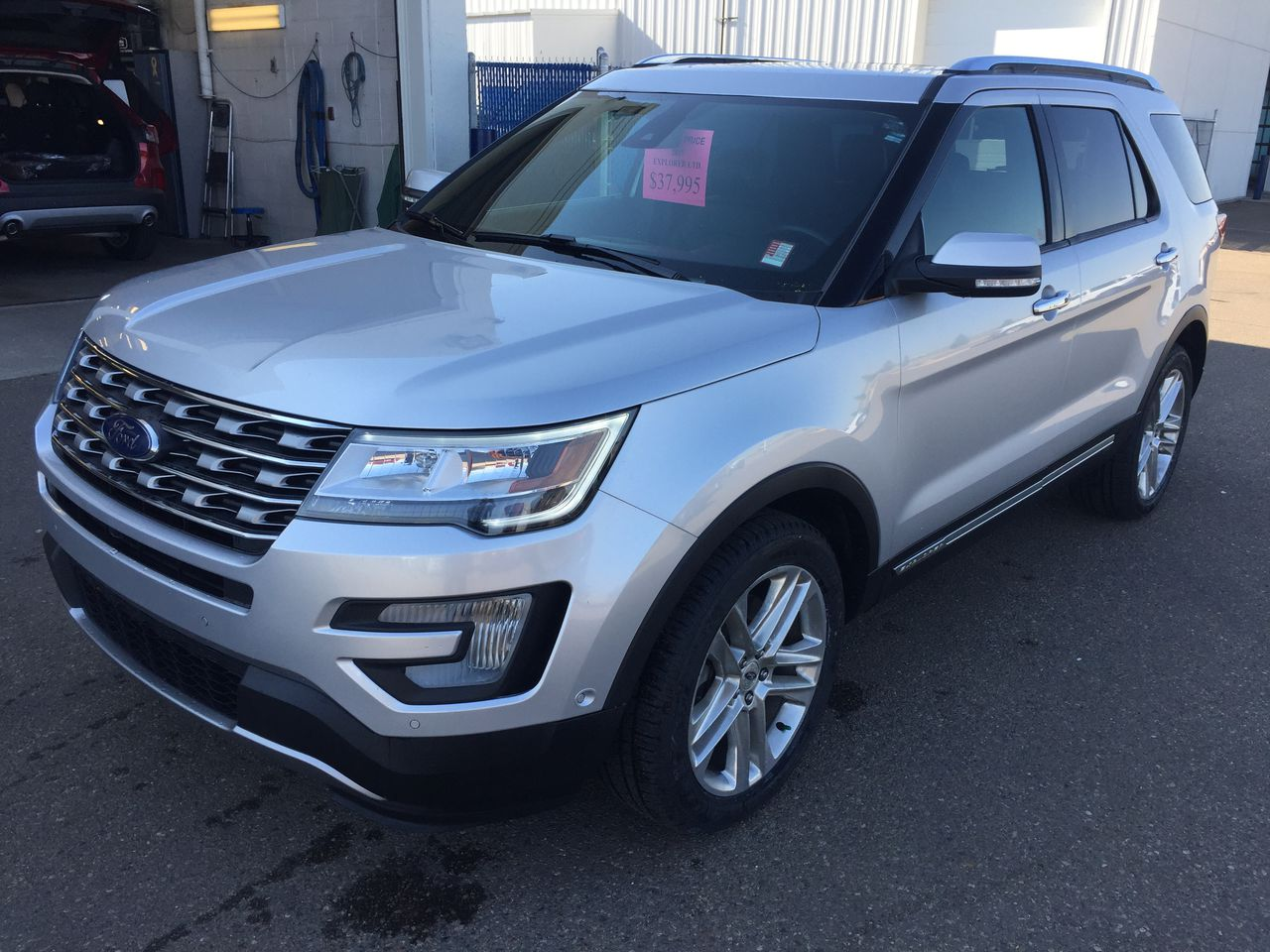 2017 Ford Explorer Limited AWD (U3779) Main Image